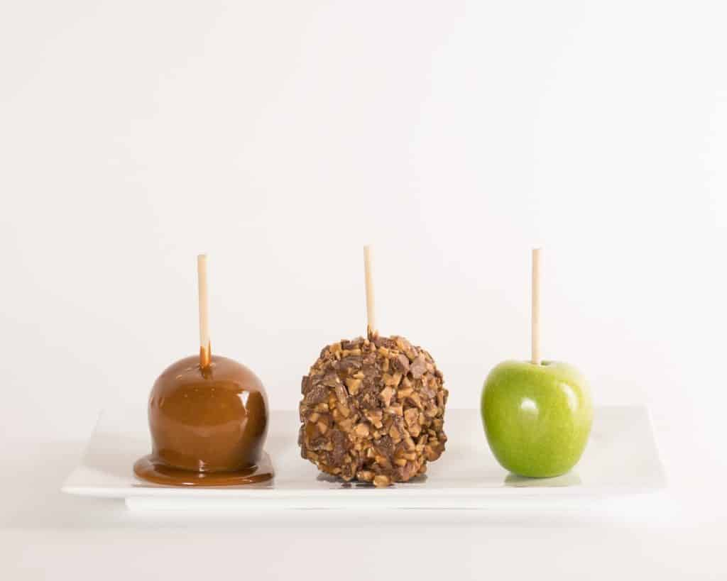 English Toffee Caramel Apple - Candy Apple ShoppeCandy Apple Shoppe